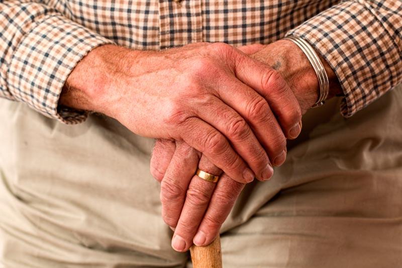 Cuidados de apoyo: ¿qué son y en qué consisten los cuidados paliativos?